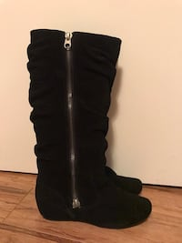 Women's black suede boots - size 6.5 - good condition  3750 km