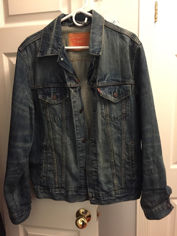 Used Men S Levi S Red Label Denim Jacket Large For Sale In Baltimore