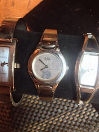 round silver-colored analog watch with link bracelet Kelowna, V1Y 8S6
