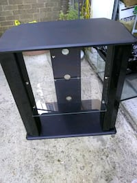 TV stand with 2 glass shelves Alexandria, 22315