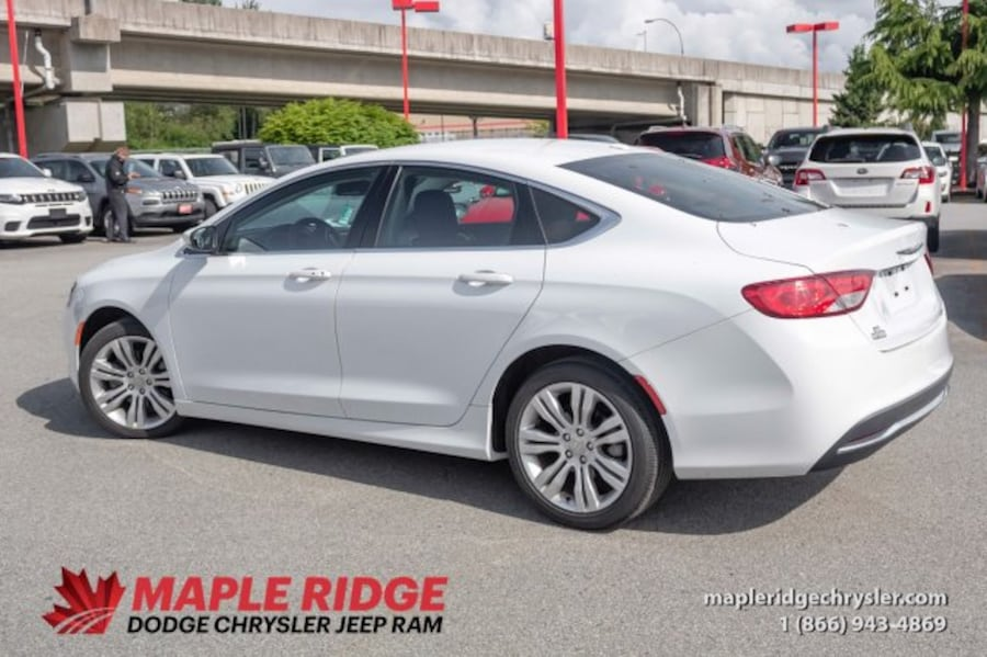 2016 Chrysler 200 Limited | Fully Loaded ea5709f9-c030-46bd-971e-53f375ef4b68