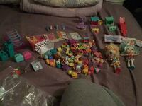 shopkins 152  pieces and  2 dolls a few rare ones too Clinton, 20735