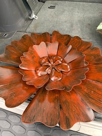 Large wall metal flower