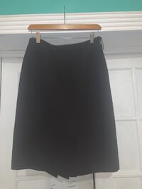 Woman brown size 6 skirt  Jessup, 20794