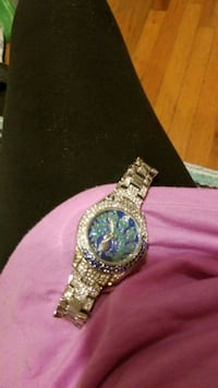 watch Negotiable Glen Cove, 11542