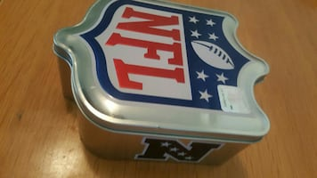 NFL tin box great condition