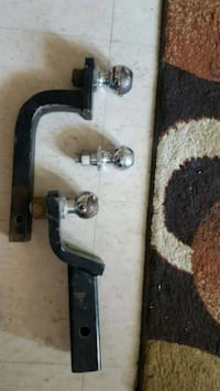 2 trailer hitch's Guelph, N1G 1S7