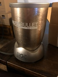 Nutribullet 900 with all parts
