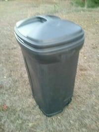 Large trash can  with wheels