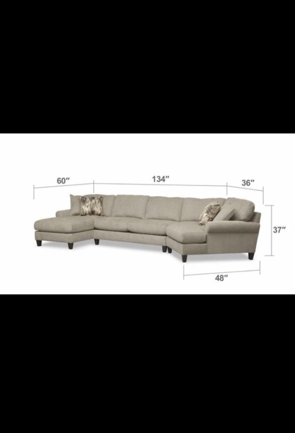 Haverty's original Cream sectional couch 12594a62-f9b0-481a-9d1d-bbd06e69c67c