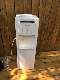 white hot and cold water dispenser Germantown, 20874