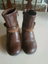 pair of brown leather boots Red Deer, T4E 0A5