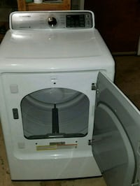 white front-load clothes washer Elkton, 21921