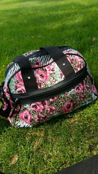black, pink, and green floral crossbody bag Kennewick, 99336