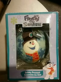 Frosty the snowman holiday ornament with box