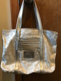 Original Coach Purse used once. Omaha, 68117