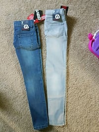 Girls jeans size 7. New with tags London, N5Z 4Z1
