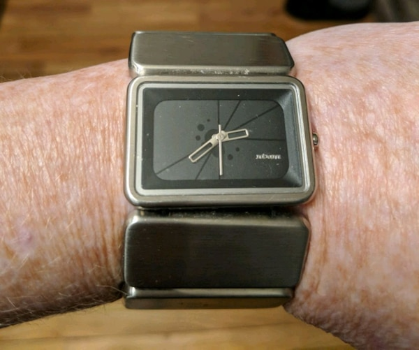2a4dc911a Used Nixon watch for sale in Vancouver - letgo