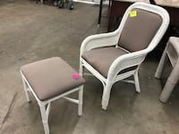 Chair With Ottoman Tempe
