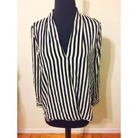Women's Black and white stripe shirt Small Toronto, M3J 1L7