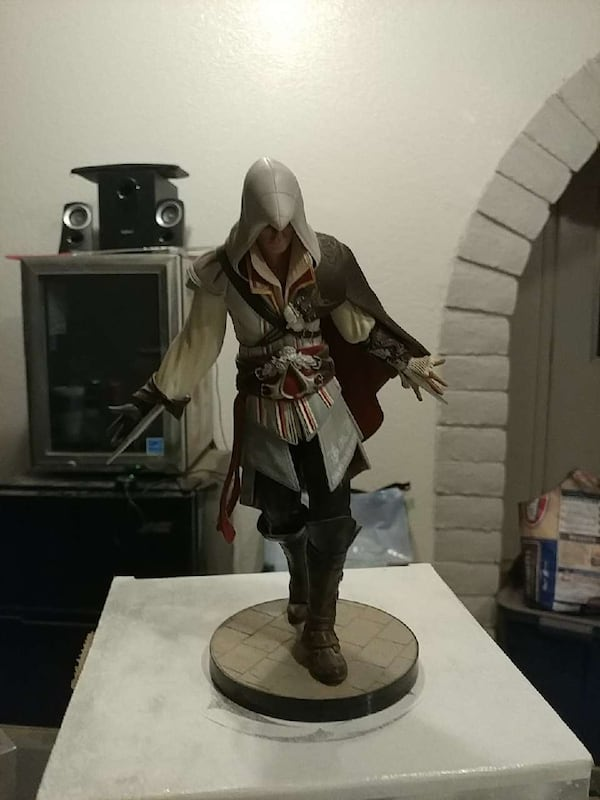 Used Assassin S Creed 2 Collector S Edition Statue For Sale In