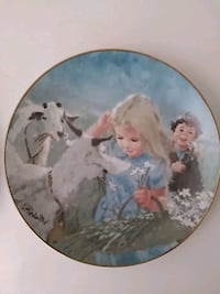 round white and blue ceramic decorative plate California City, 93505