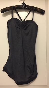Lululemon sports top medium Oakville, L6K 3C7