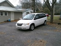 Chrysler - Town and Country - 2006 933 mi