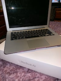 13 inch Macbook Air Clinton, 20735