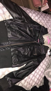 black leather zip-up jacket 1467 mi