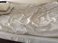 Queen Mattress & Box Spring. GUC. With a cover that needs a wash! Pick up ASAP & save $5   Calgary, T2A 5E7