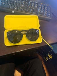 Snapchat Glasses v2 (brand new)