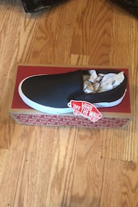 Vans size men 5.5 and girls 7  Runs small Silver Spring, 20906