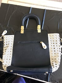 B/ w large purse perfect for business  Kitchener, N2B 2T2