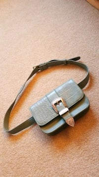 NEW LEATHER FANNY PURSE