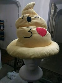 Emoji hat n pillow San Antonio, 78249