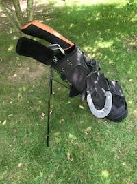 Left handed clubs,bag and stand Novi, 48377