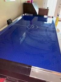 blue and black air hockey table Frederick, 21701