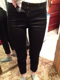 Black fitted jeans Thunder Bay, P7C 4B2