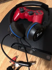 PS3 with controller and headset Kirkland, H9J