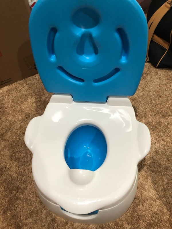Toddler Potty Training Toilet & Step Stool 189fdfc5-274c-4c70-ada7-422d3ae08749