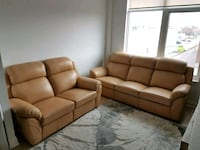 100% Genuine Leather Sofa and Loveseat in MINT CONDITION Vaughan, L4L 8C3