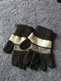 Gray-and-black knitted gloves Manhattan, 60442