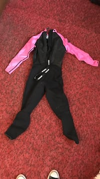 Woman's wetsuit Washougal, 98671