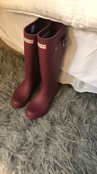 Brand new HUNTER RAIN BOOTS SIZE 7 Suitland, 20747