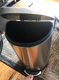 Simplehuman stainless trash can 45L New York, 10003
