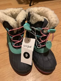 Girls snow boots  Reading, 45215