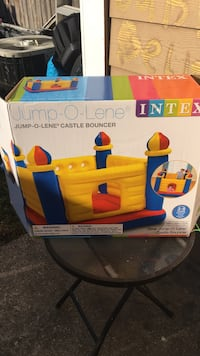 Intex jump-o-lene castle bouncer box
