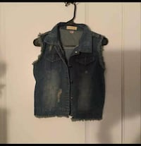 New Distressed Denim Vest 37 km