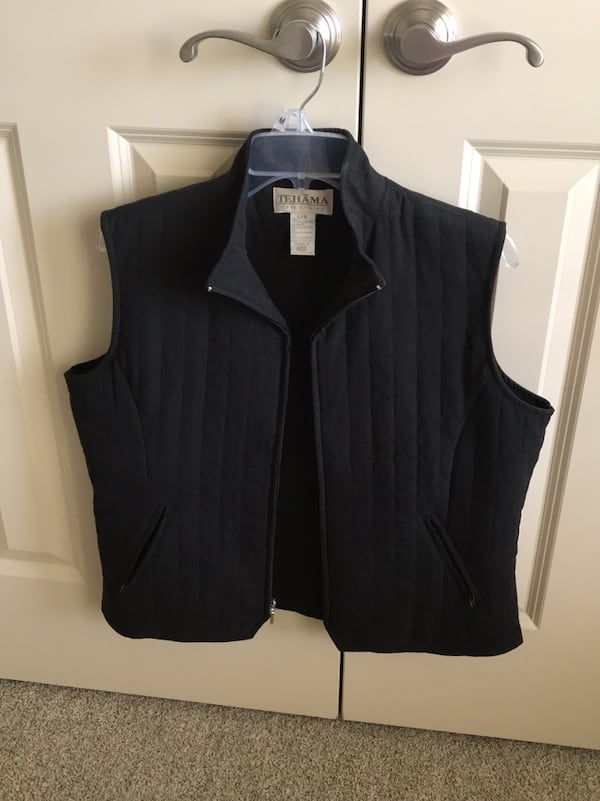 Tehama quilted vest.   Immaculate condition 74c3fc4e-c24a-49d4-b70c-2f668f4fcc67